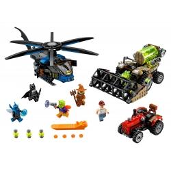 LEGO 76054 Batman: Scarecrow Sklizeň strachu
